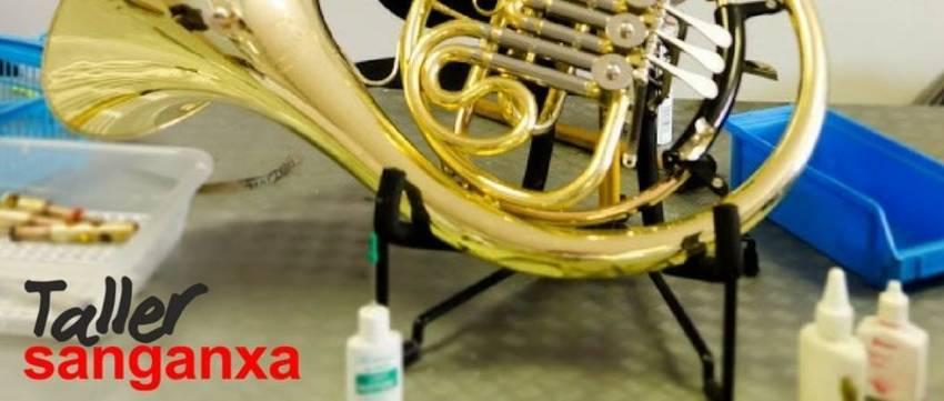 taller instrumentos musicales trompa